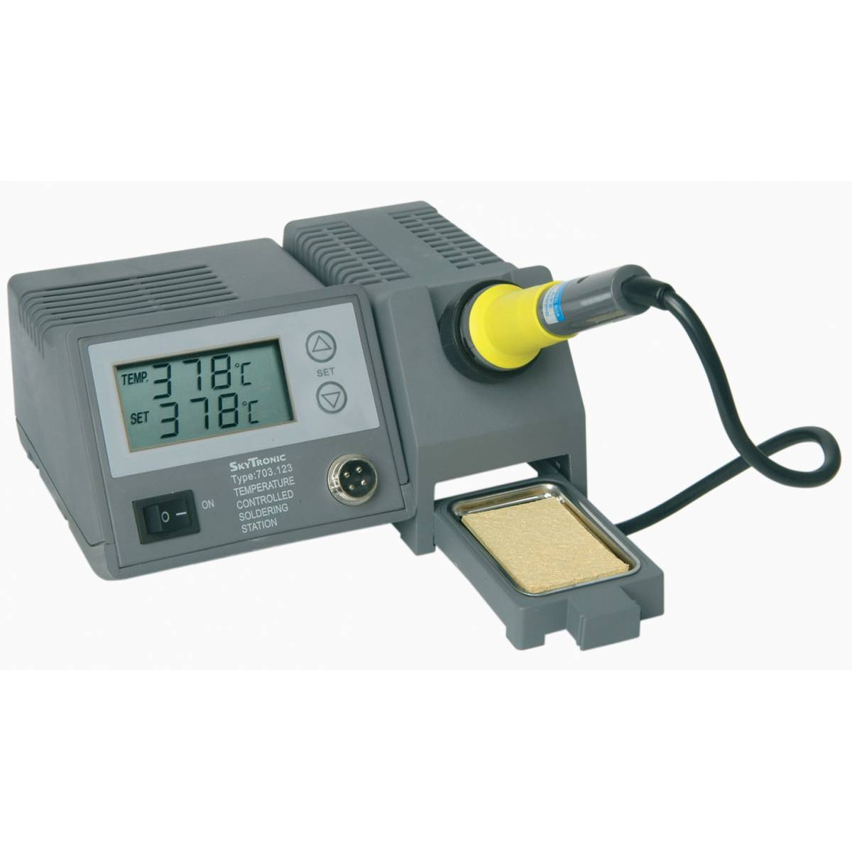 Digital Soldering Station : Skytronic digital soldering station