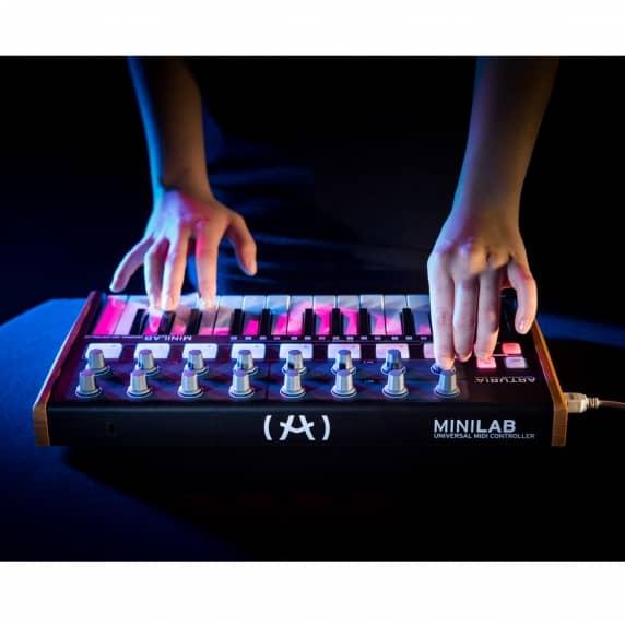 Arturia Minilab Portable Midi Keyboard Black Edition