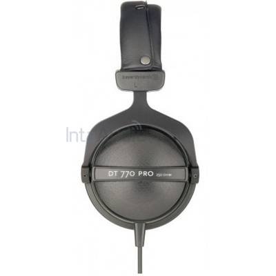 beyerdynamic dt 770 pro closed dynamic studio headphones 250 ohm b stock beyerdynamic from. Black Bedroom Furniture Sets. Home Design Ideas